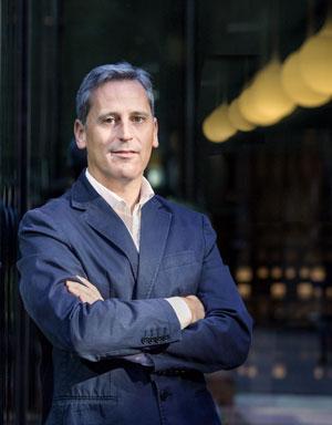 Microsoft, Emilio Paz